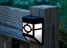 Kültéri sollár lámpa beépített napelemmel
