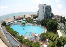 8 nap Naposparton, repülőjeggyel, transzferrel, all inclusive ellátással, a Bellevue Hotelben****