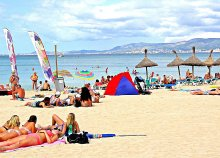 Vár a mallorcai nyár a Földközi-tengeren