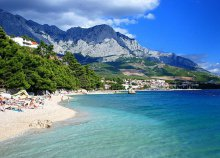 Könnyű nyári fürdőzés az Adriában