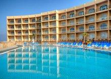 8 nap pihenés a Hotel Paradise Bay***-ben 2 személy részére reggelivel