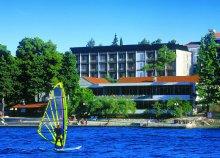 8 nap az Adriai-tengernél, Horvátországban, Korcsulán, reggelivel, a Hotel Parkban***