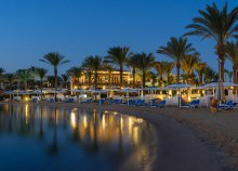 8 nap Hurghadán, repülővel, félpanzióval vagy all inclusive ellátással, a Hilton Hurghada Resortban*****
