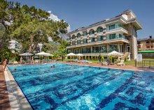 8 nap Kemerben, repülőjeggyel, ultra all inclusive ellátással, a Dosinia Luxury Resortban*****