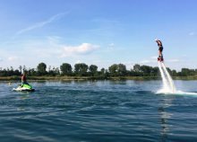 20-20 perc jet-ski és flyboard, 90 perc Stand up paddle evezés a gyáli Fundy-tavon