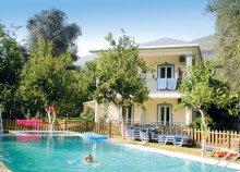 10-15 napos nyaralás 2 főre Görögországban, Pargában, busszal, a Garden stúdiókban