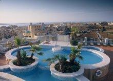 8 nap 2 főre Máltán, Qawrában, a Sunflower Hotelben***, félpanzióval, repülőjeggyel és illetékkel