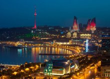Városnézés Bakuban, a kaszpi Dubajban és kirándulás Azerbajdzsán legszebb tájain, repülővel
