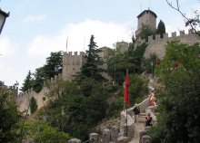 5 nap dolce vita San Marinóban és környékén, buszos utazással, reggelivel, 3*-os szállással