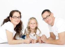 30-45 perces anyák napi fotózás legfeljebb 6 fő részére a Blende Fotó Stúdiótól