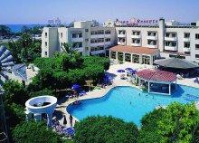 8 napos nyaralás Cipruson, Larnacán, a Crown Resorts Henipa*** Hotelben