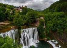 Buszos utazás Boszniába, a Jajce-vízeséshez, idegenvezetéssel