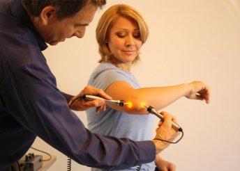 Oldd meg a problémádat hamar: fájdalommentes tűszúrás nélküli elektroakupunktúrás diagnosztikai vizsgálat