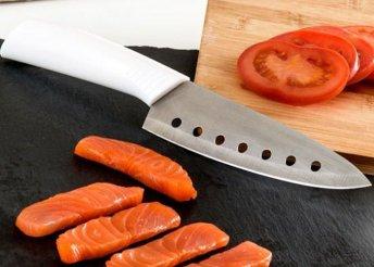 Japán kés lyukakkal ellátott szamuráj pengével
