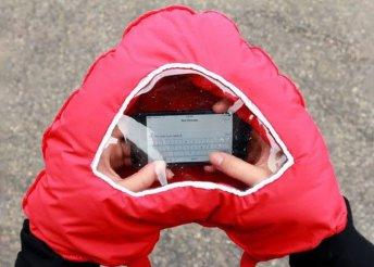 Romantikus és praktikus, szív alakú kesztyű ablakkal