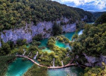Kirándulj az ámulatba ejtő Plitvicei-tavaknál