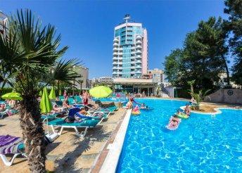 8 nap Naposparton, repülőjeggyel, all inclusive ellátással, a Grand Hotel Sunny Beachben****