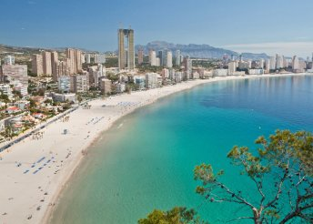 Fenséges, 8 napos lazítás a Costa Blancán, félpanzióval és repülőjeggyel 2 főnek
