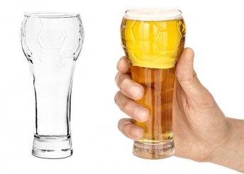 Focilabdát formázó sörös üveg pohár