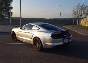 Ford Mustang élményvezetés a Hungaroringen