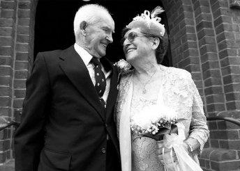 Házassági időutazás profi fotókon