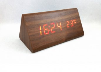 LCD óra dátum kijelzéssel