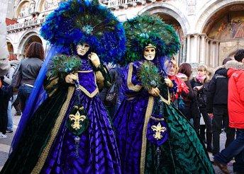 Buszos utazás a velencei karneválra, csoportkísérővel