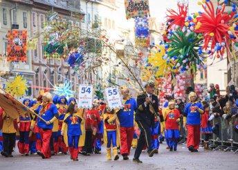 Vár a rijekai karnevál és a Plitvicei-tavak