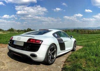 Élményautózás egy Audi R8-as járgánnyal