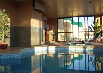 8 nap Máltán 2 főnek, 3*-os hotelben, repülőjeggyel