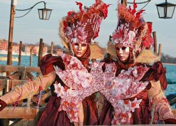 Karneváli forgatag Velencében