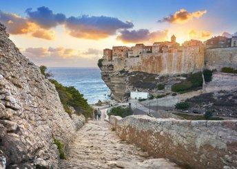 9 napos körutazás 1 főre Szardínián és Korzikán, hajózással, busszal, félpanzióval, idegenvezetéssel