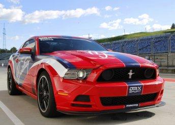 Élményvezetés Mustang Boss 302 versenyautóval az Euroringen, 2, 3, 4 vagy 5 körön át
