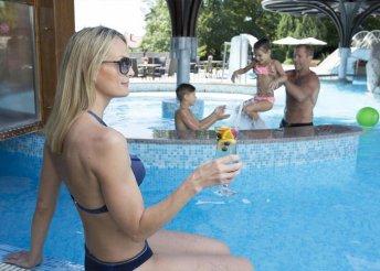 7 napos nyaralás 2 főre a hévízi NaturMed Hotel Carbona**** superiorban, félpanzióval, gyermekprogramokkal