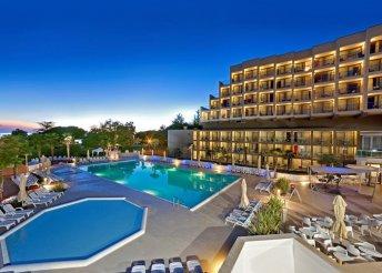 8 nap félpanzióval az Adriai-tengernél, Porecben, a Laguna Materada*** Hotelben