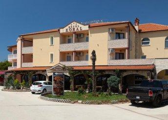 8 napos tengerparti vakáció az Adrián, Medulinban, reggelivel a Koral*** Hotelben
