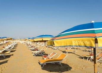 Pihenés az olasz tengerparton, a Velencéhez közeli Bibionéban, önellátással, a Villaggi San Siróban