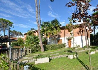 Vakáció az olasz Adrián, Bibionéban, önellátással, a Ville Schirea 5-6 fős, négy légterű apartmanjaiban