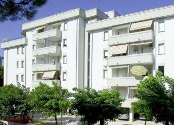 Vakáció az olasz Adrián, Velence közelében, Bibionéban, önellátással, az Appartamenti Nasse e Isola Clarában