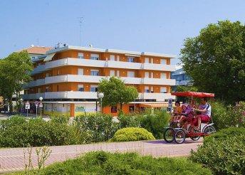 Szállás az olasz Adrián, Bibionéban, az Anna Apartmanházban, 3 légterű apartmanban, önellátással
