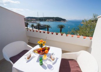 8 nap az Adriai-tengernél, Makarska városkájában, félpanzióval, a Biokovo**** Hotelben