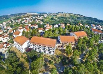 8 nap az Adriai-tengernél, Rab-szigeten, Loparban, félpanzióval, a Plaza Sunny*** Hotelben