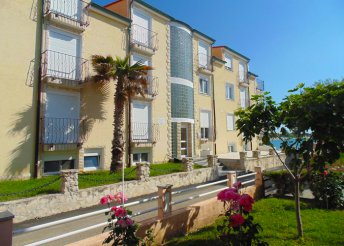 8 napos vakáció az Adriai-tengernél, Vrsi városában, félpanzióval, a Beni*** Hotelben