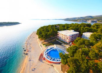 8 nap az Adriai-tengernél, Primostenben, félpanzióval, a Hotel Adriatiq Hotel Zorában***