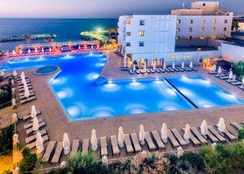 8 nap Észak-Cipruson, Kyreniában, repülőjeggyel, all inclusive ellátással, a Vuni Palace Hotelben*****