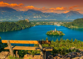 Május 1.!  4 nap Szlovéniában, busszal, reggelivel, idegenvezetéssel – Bledi-tó, tulipánkiállítás, Adria