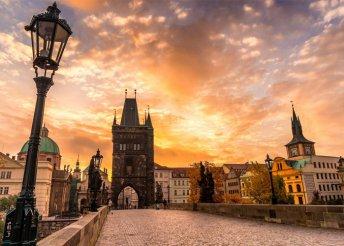 3 nap Prágában, busszal, reggelivel, idegenvezetéssel, fakultatív programokkal, az október 23-i hétvégén is