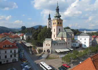 1 napos buszos utazás a Felvidékre, Szlovákiába, idegenvezetéssel – városnézés Besztercebányán