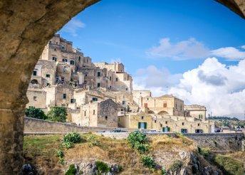 8 nap az olaszországi Pugliában, busszal, reggelivel, idegenvezetéssel, programokkal, az október 23-i hétvégén