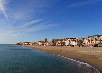 8 napos vakáció 2 főre Costa del Sol partjainál, repülőjeggyel és illetékkel, félpanzióval, a Kristal Hotelben